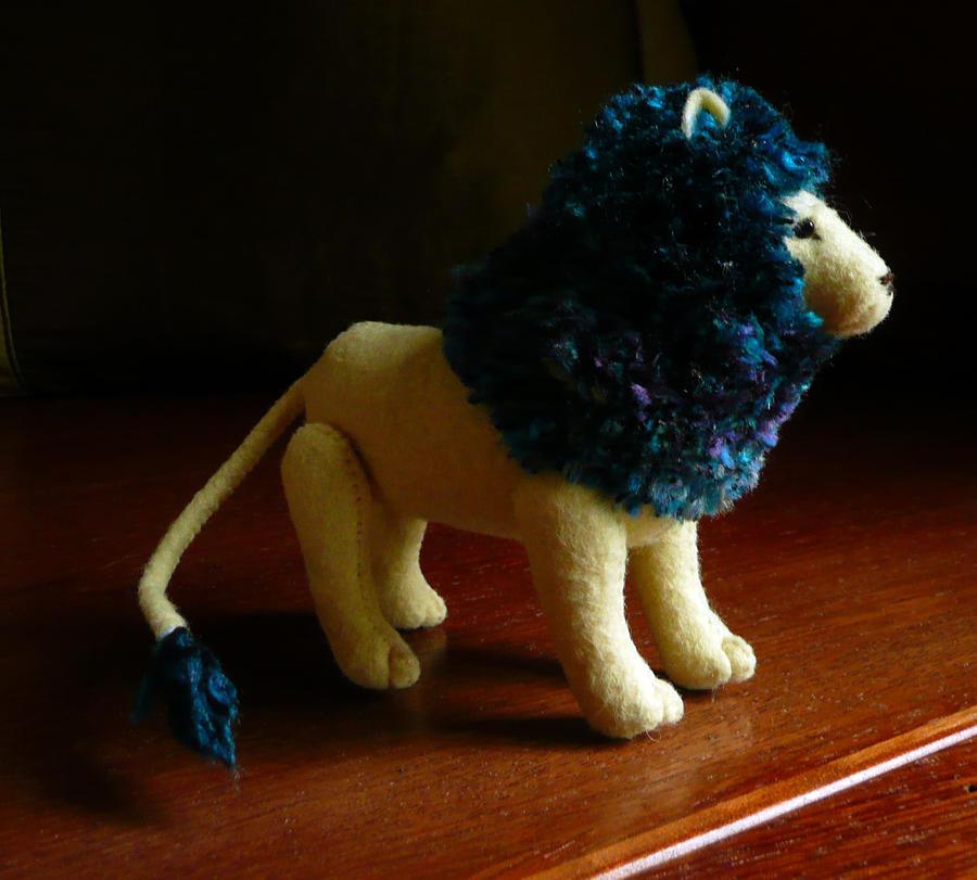 Blue mane lion by Shalladdrin