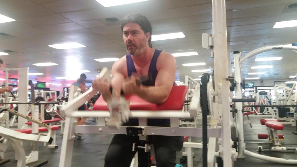 lift that weight by BruceHulkBanner