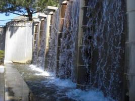 Falling Water by itsayskeds
