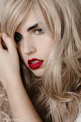 Blonde by LoMiTa