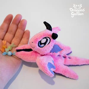 Dragons' Garden - ITH Tiny Beanie Candy 1 (1) by Dragons-Garden