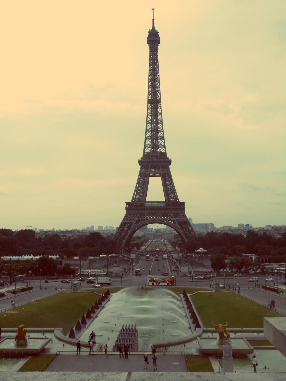 Eiffel Tower by jessamaciejewski