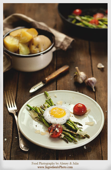 Asparagus with Eggs by Studioxil