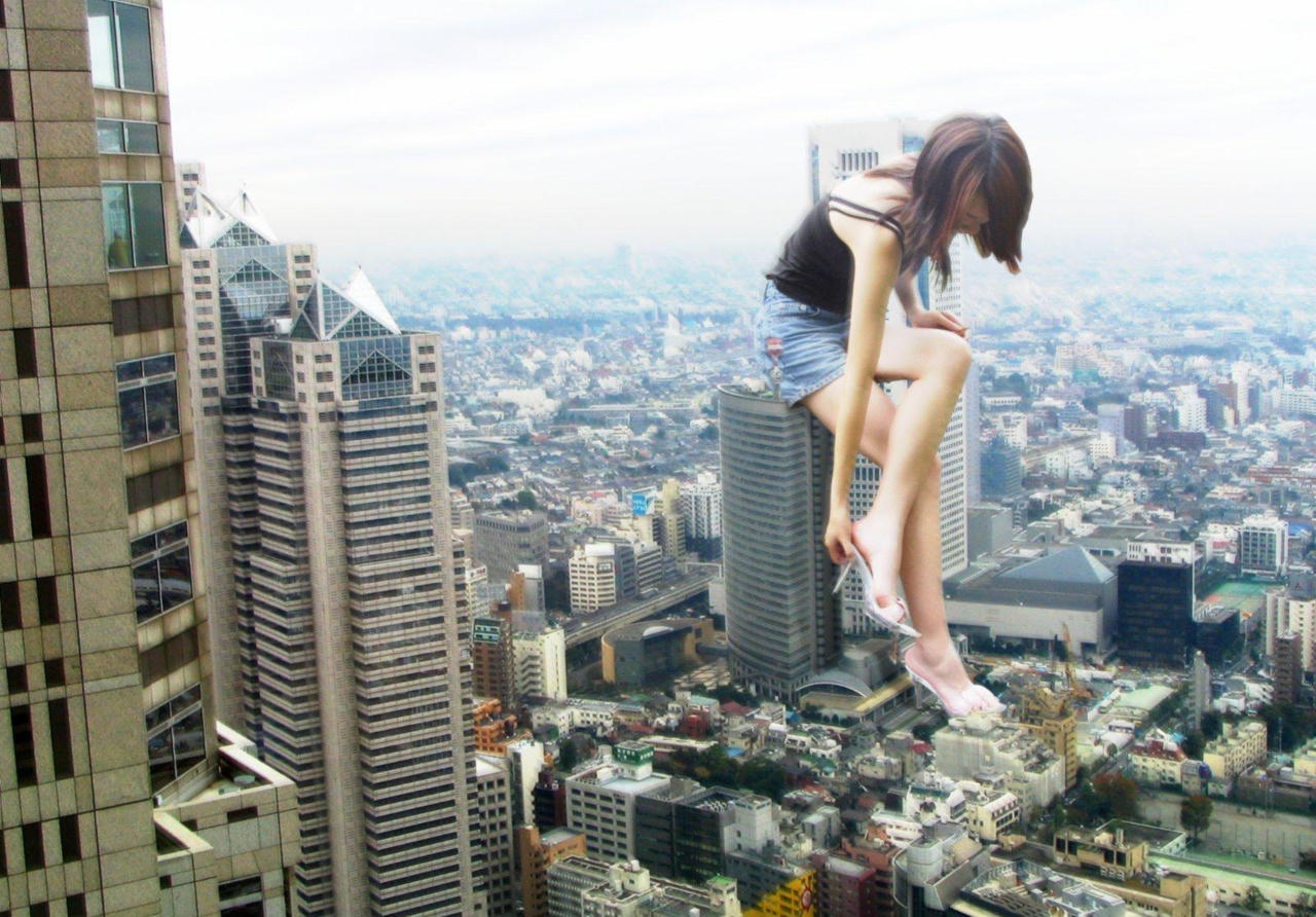 Giantess nude in the city softcore movie