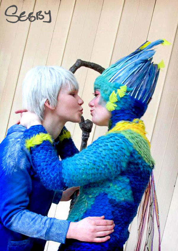 Rise Of The Guardians Tooth Fairy And Jack Frost Kiss ...