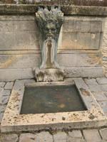 Strange Fountain by simfonic