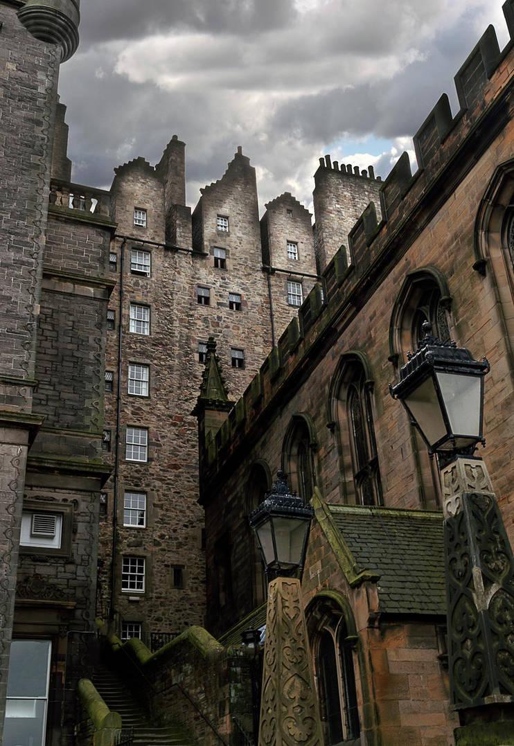 Edinburgh Close by simfonic