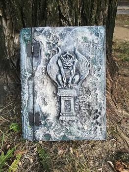 Gargoyle - book keeper