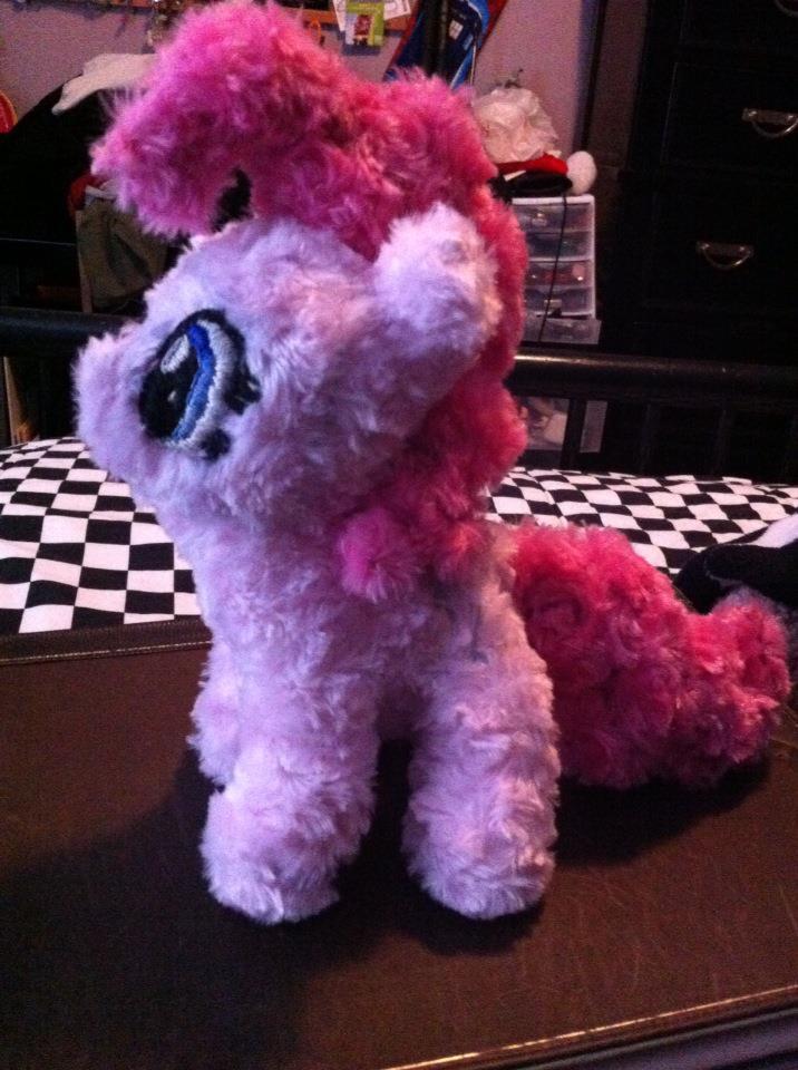 Pinkie Pie Plushie by HxIkerd