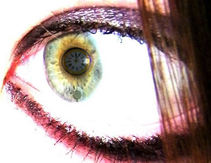 Eye Clock 2 by Melrainbow
