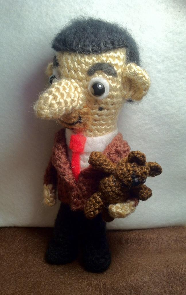 Mr Bean and Teddy amigurumi by Yarnigurumi