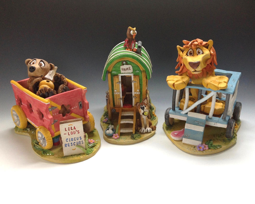 Lila Lou's Circus Rescues - Ceramic Sculpture by Lucykite