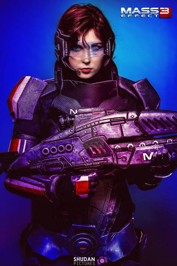 Shepard - Mass Effect 3 - Cosplay by CynShenzi