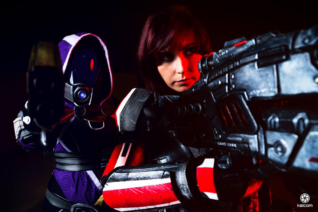 Mass Effect Cosplay  Tali  FemShep by CynShenzi