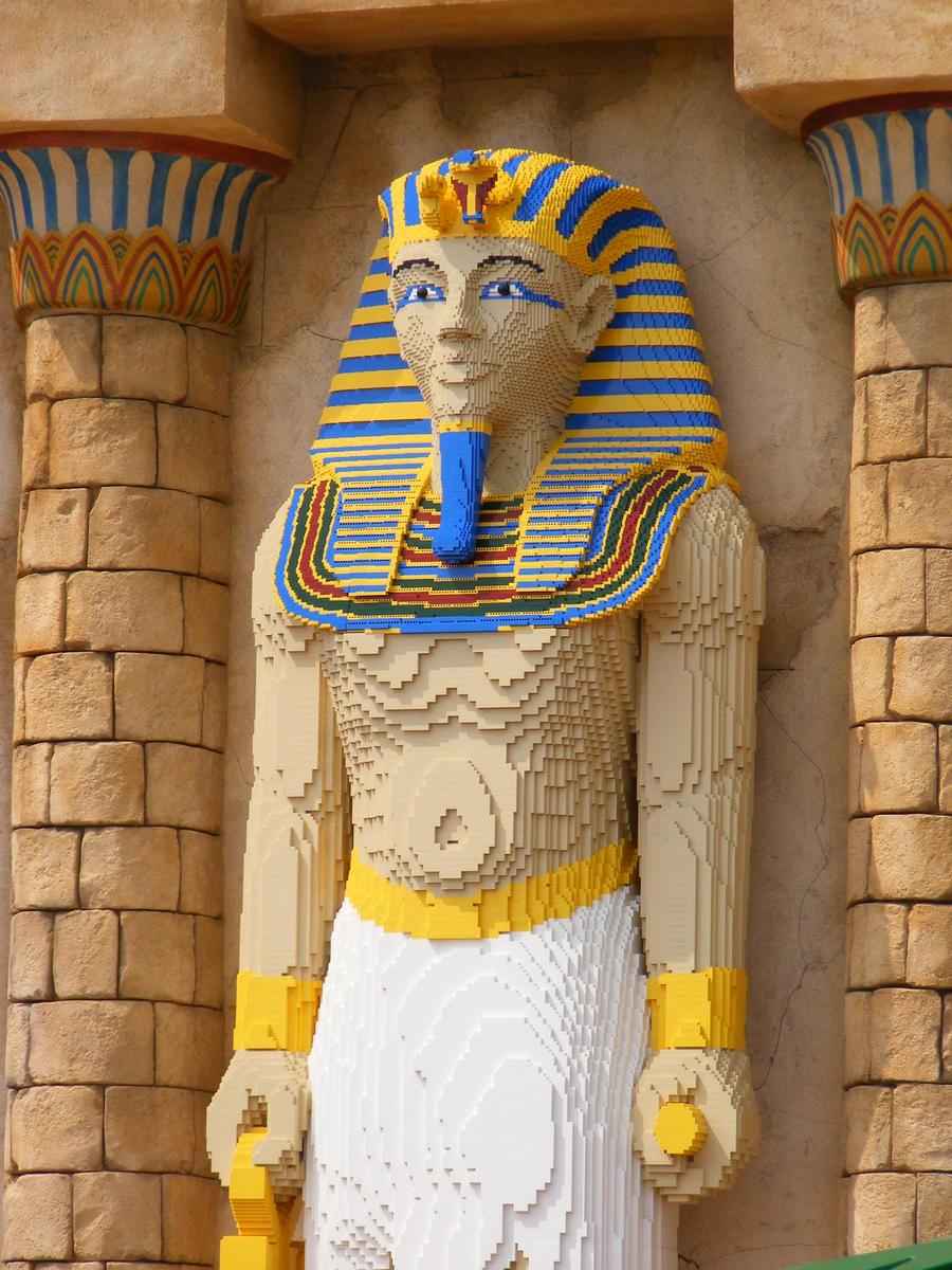 King Tutankhamun The Treasures of the Tomb Zahi Hawass