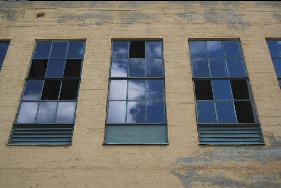 Neatly broken windows by enframed