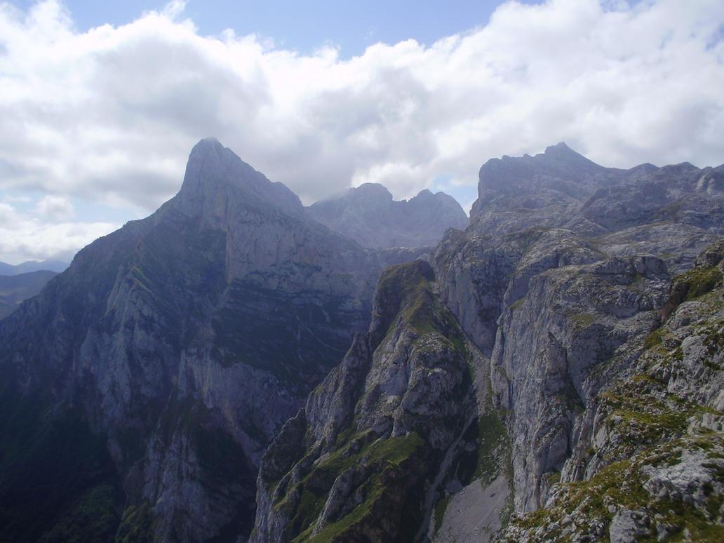 Los Picos de Europa 1 by AdenarKaren