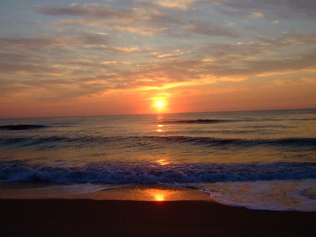 Beautiful Sunrise on the beach by YunaxTidus on DeviantArt