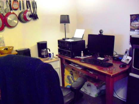 me simplistic little kitchen pantry workstation