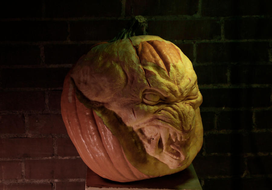 Pumpkin carving 5- Pumpkinhead by Cissell