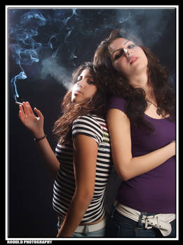 HOT SMOKERS 2 by RoO0di