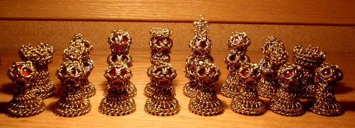 Chainmail Chess Set: Brass