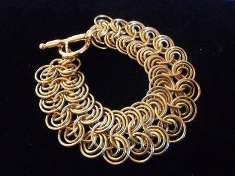 Queen's Maille Bracelet