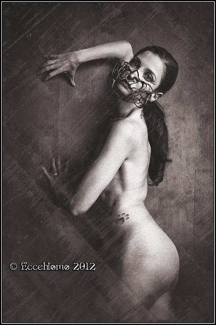 La Mutante by Daturanoire