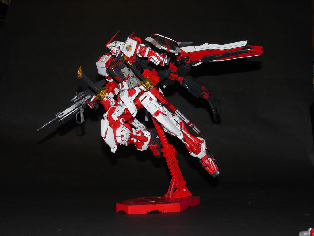 MBF-P02 Gundam Astray Red Frame by GeneralMechanics
