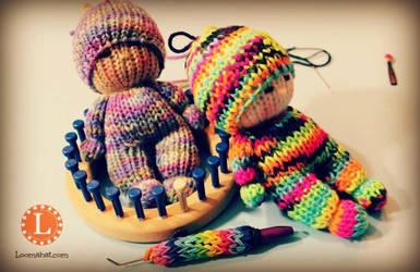 Loom Knit Tiny Amigurumi Dolls by LoomaHat