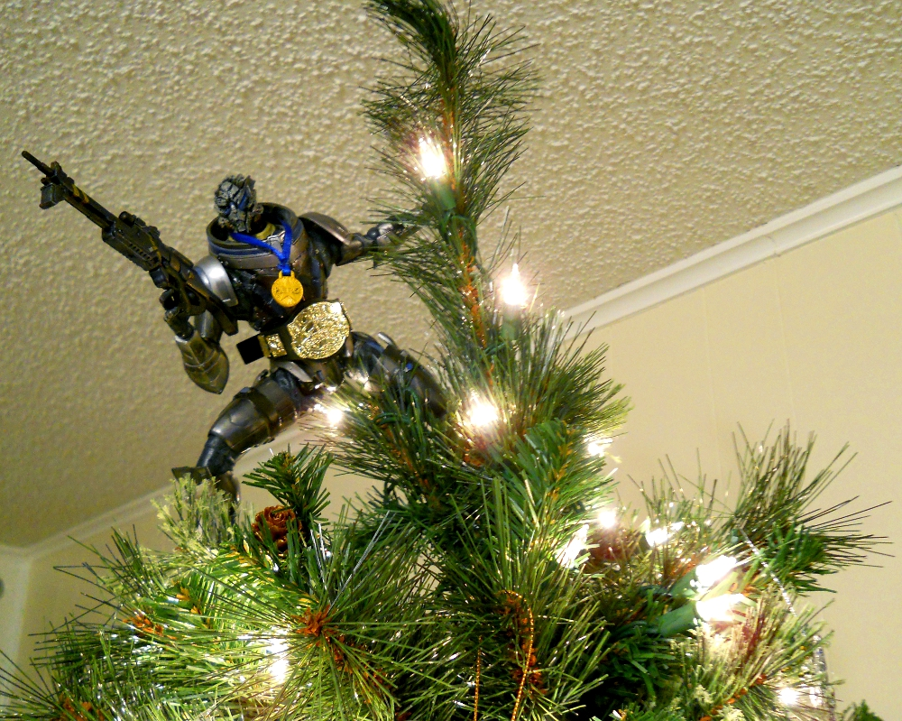 Archangel atop the christmas tree by Homicide-Crabs