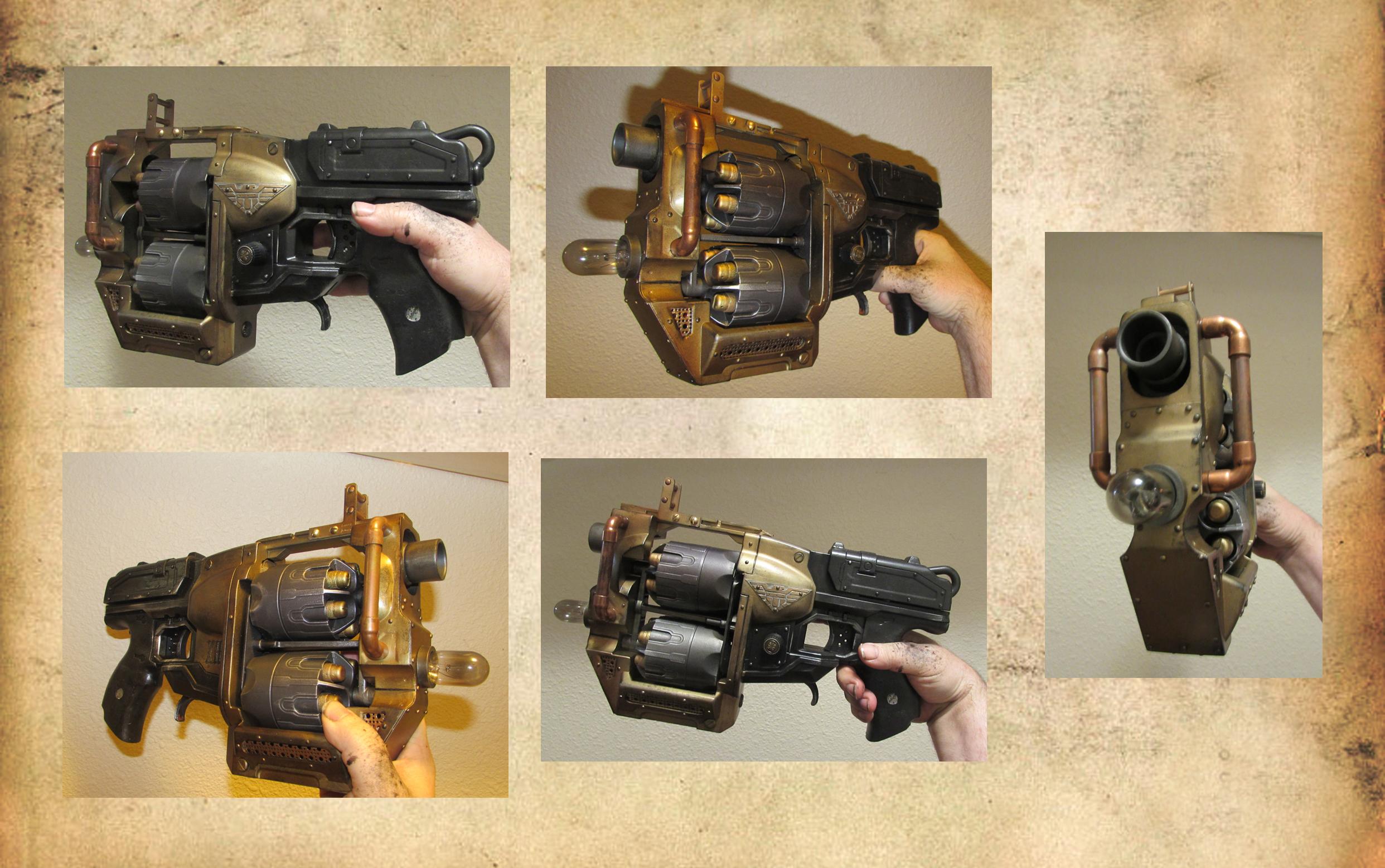 Steampunk Judge Dredd pistol by HerbertW