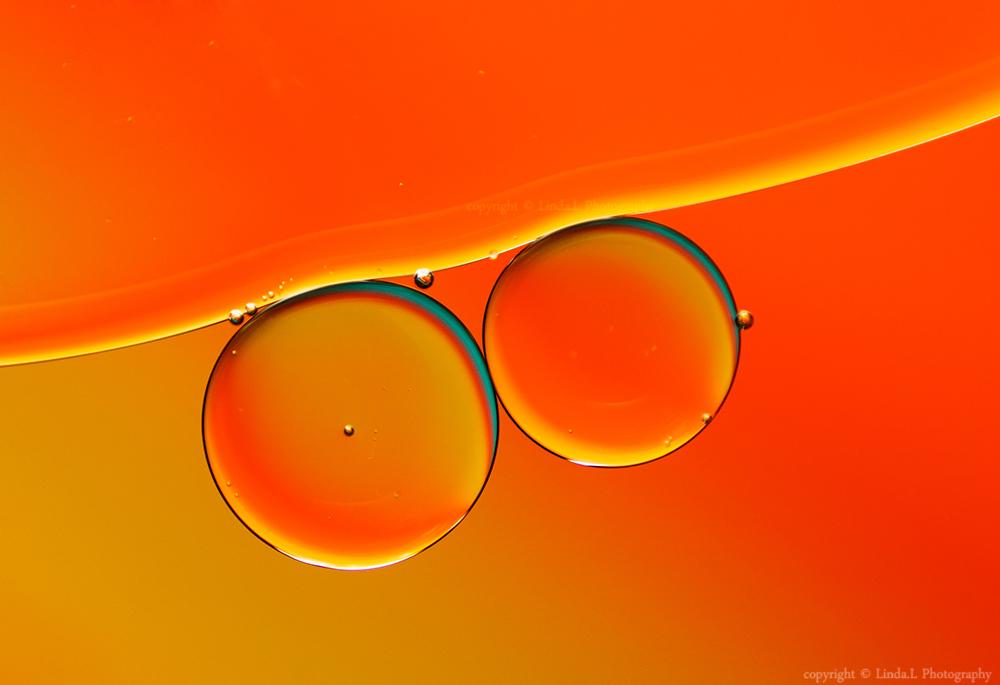 Orange bubbles by lindahabiba