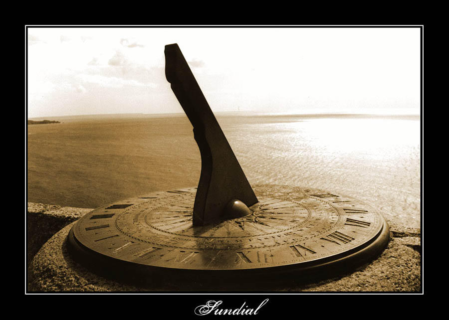 Sundial by misteriddles