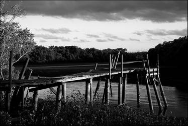 Scrapfile: Ramshackle Jetty BW by misteriddles