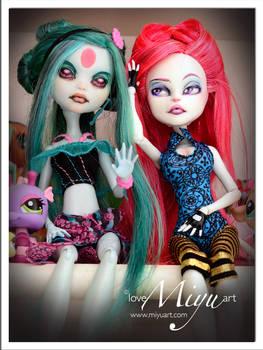 Monster High Repaint Gaia and Noa