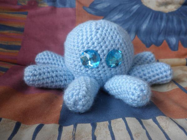 blue crochet baby squid by PinkuArt