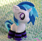 Cute Vinyl Scratch /w lined socks