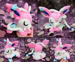 Sleepy Sylveon plush I Pokemon