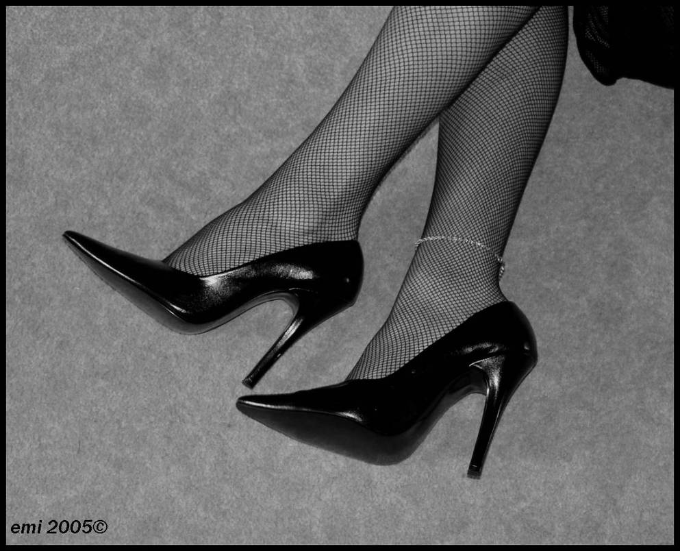 High Heel in black and white