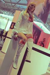 Let me glimpse under your skirt, Lili (Tekken)