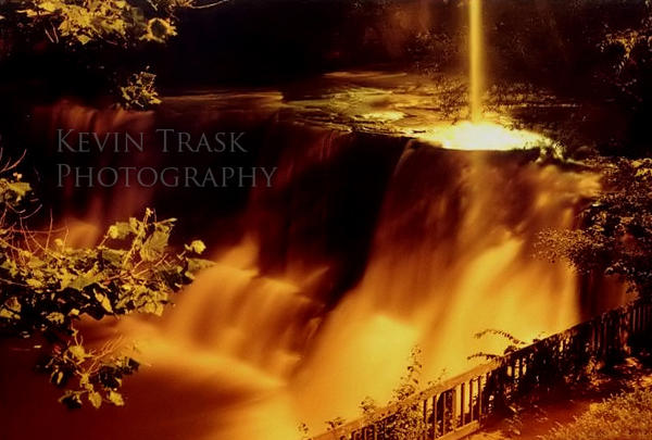 Midnight Falls by KevinATrask