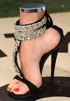 Doutzen Detached foot