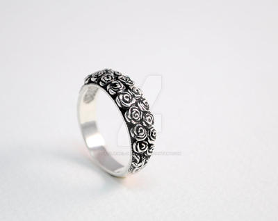 Silver ring Roses by GatoJewel-DerKater