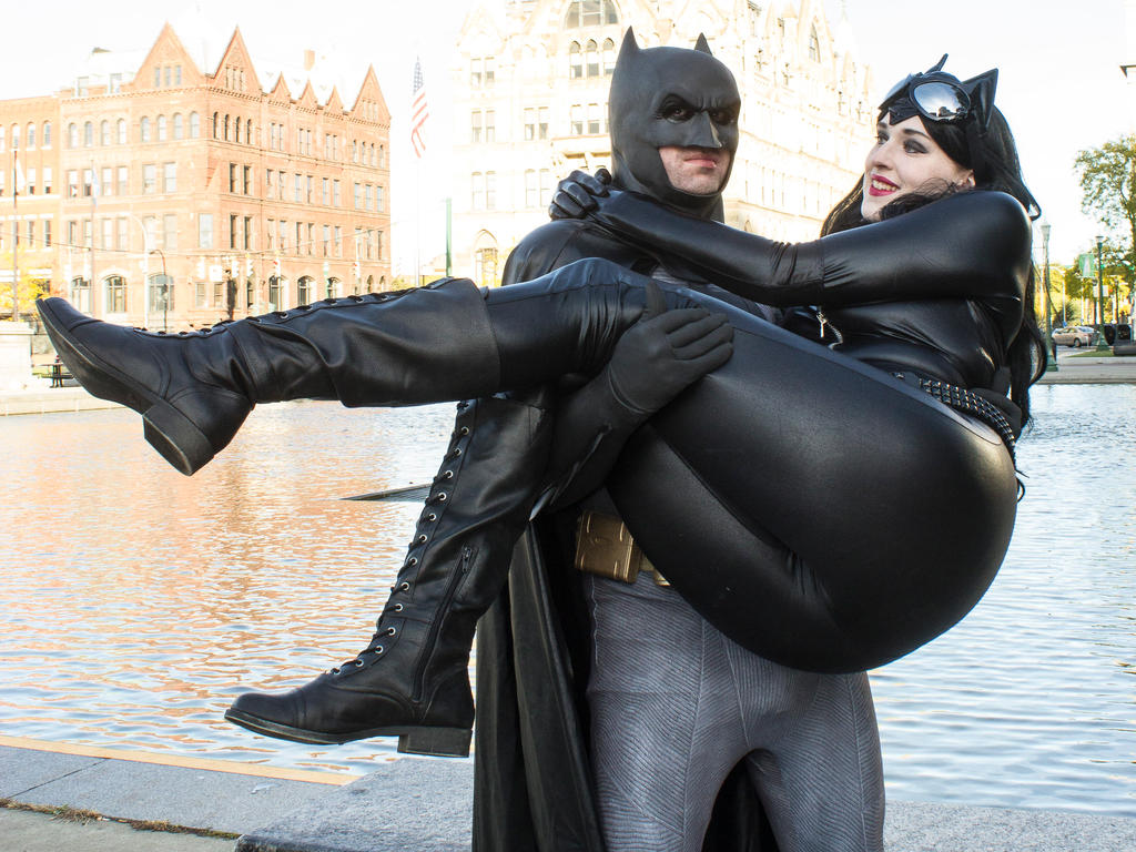 Batman and Catwoman- I Love You! by BeautifulRoseThorn