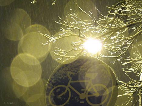 20winter12_snowbike 2