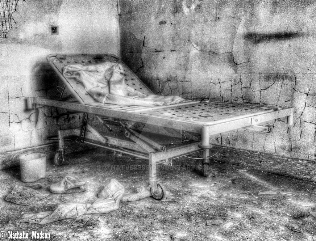 Salve Mater - Bed by Natje9999