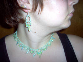 necklace-Kiwi Crystal Elegance by turtlegirlman