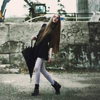 Anna by emptyredhead