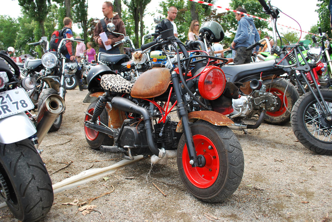 Honda Monkey J1 Rat look by
